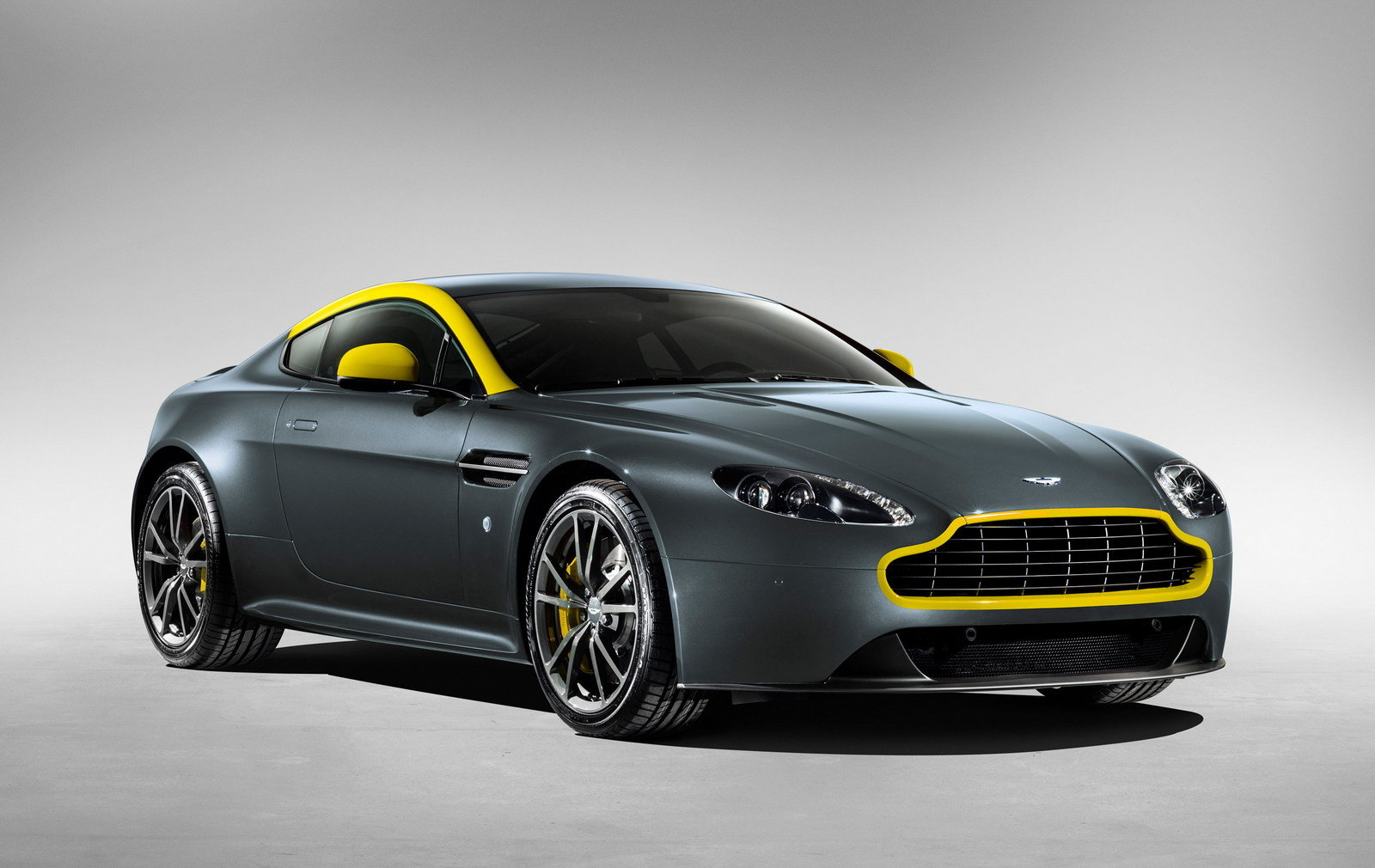 2015 aston martin v8 vantage n430 review top speed. Black Bedroom Furniture Sets. Home Design Ideas