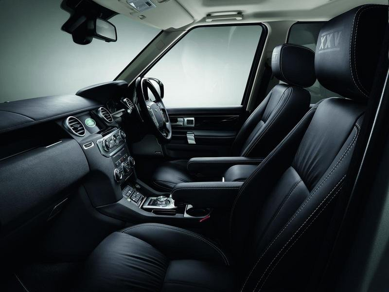 2014 Land Rover Discovery XXV Special Edition Interior - image 542254