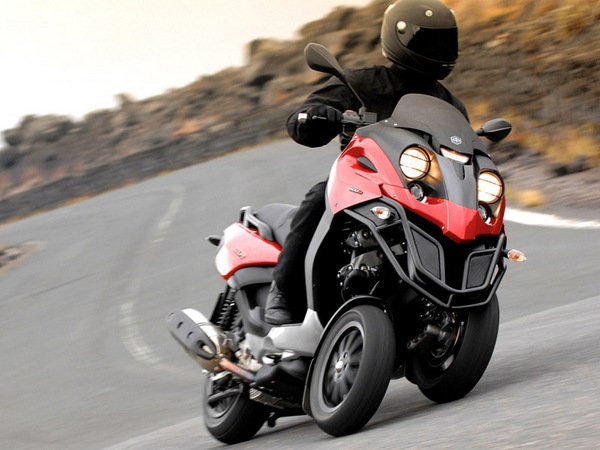 2014 piaggio mp3 500 motorcycle review top speed. Black Bedroom Furniture Sets. Home Design Ideas