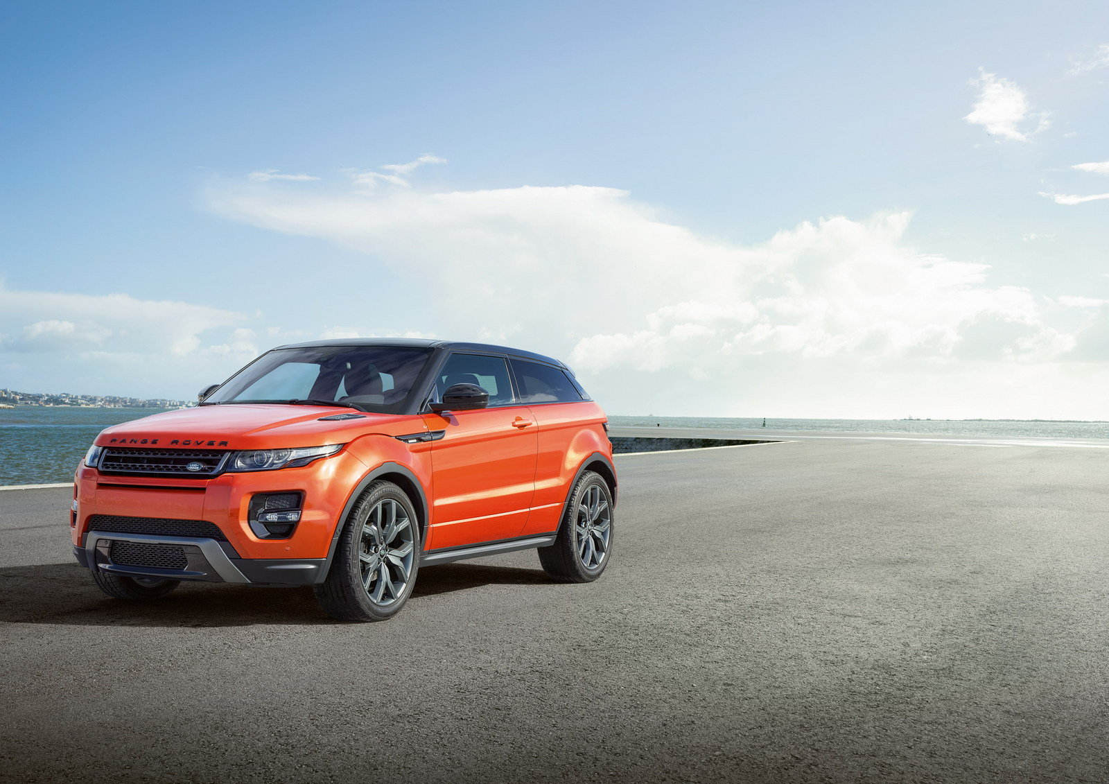 2015 land rover range rover evoque autobiography review top speed. Black Bedroom Furniture Sets. Home Design Ideas