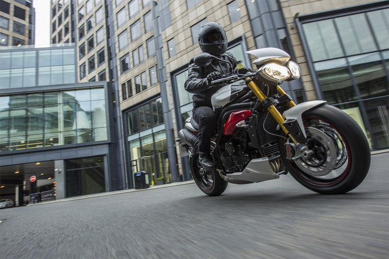 Triumph Recalls Daytona 675 R and Speed Triple R