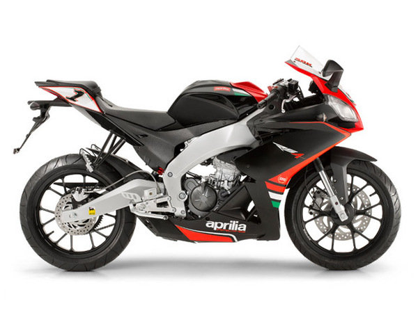 2014 aprilia rs4 125 replica motorcycle review top speed. Black Bedroom Furniture Sets. Home Design Ideas