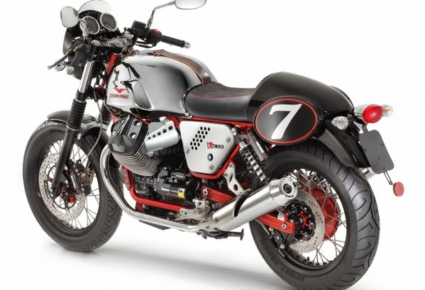 2014 moto guzzi v7 racer motorcycle review top speed. Black Bedroom Furniture Sets. Home Design Ideas