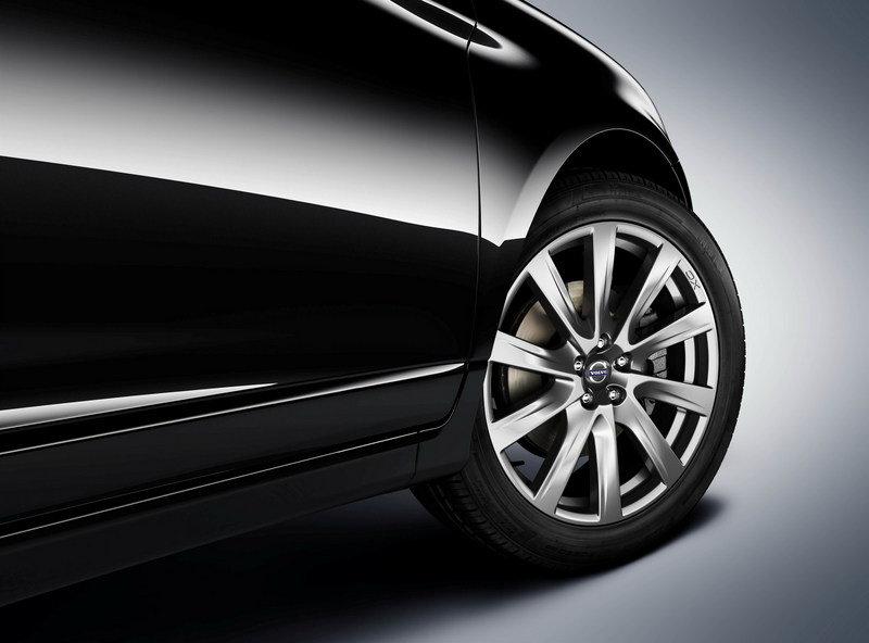 2015 Volvo XC60 and S80 Inscription Package