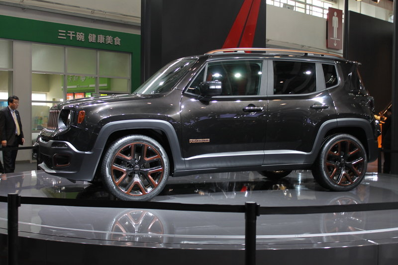 2014 Jeep Renegade Zi You Xia Concept Exterior AutoShow - image 550425