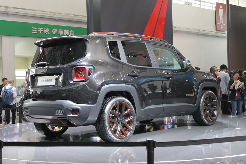 2014 Jeep Renegade Zi You Xia Concept Exterior AutoShow - image 550419