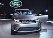2017 Land Rover Discovery - image 549402