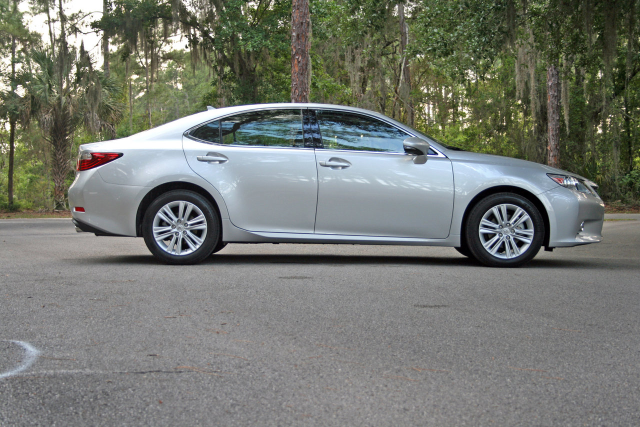 2014 lexus es 350 driven picture 550992 car review top speed. Black Bedroom Furniture Sets. Home Design Ideas