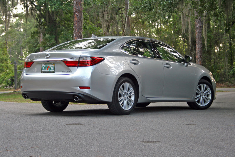 2014 lexus es 350 driven review top speed. Black Bedroom Furniture Sets. Home Design Ideas