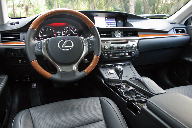 2014 Lexus ES 350 - Driven Interior - image 550982