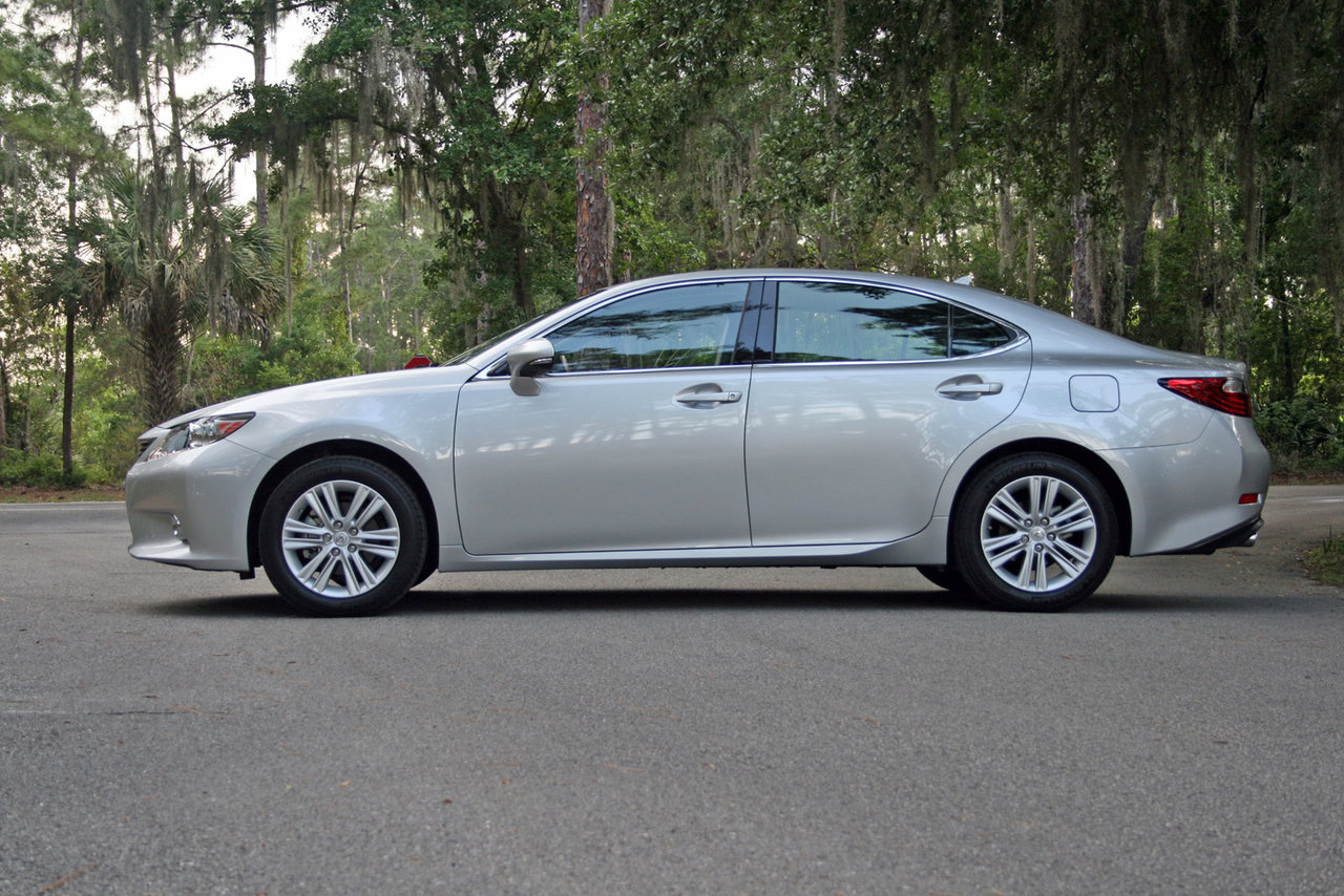 2014 lexus es 350 driven picture 550985 car review top speed. Black Bedroom Furniture Sets. Home Design Ideas