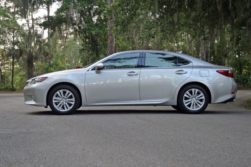 2014 Lexus ES 350 - Driven High Resolution Exterior - image 550985