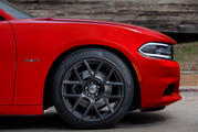 2015 Dodge Charger Shows Itself and its Performance Pages App Ahead of New York Debut - image 549567