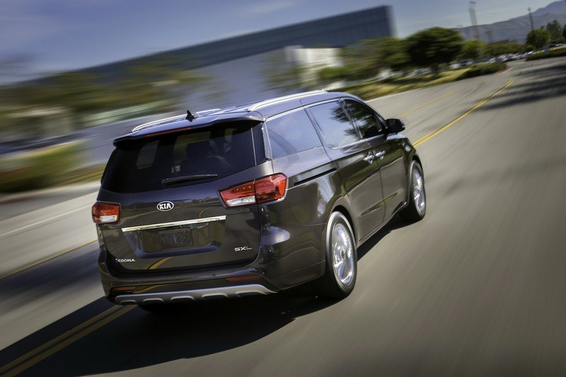 2015 Kia Sedona High Resolution Exterior - image 548822