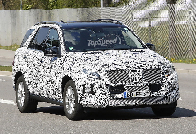 Spy Shots: 2015 Mercedes-Benz M-Class Spied Inside and Out Exterior Spyshots - image 547643