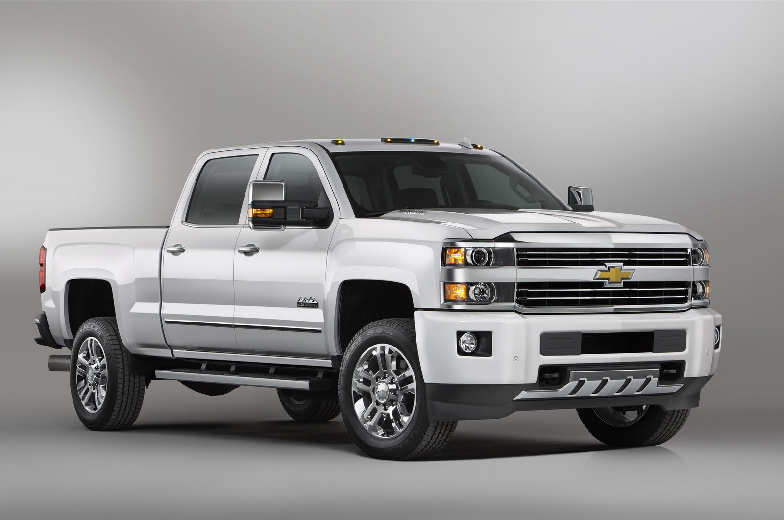 Silverado 2015 chevrolet silverado 1500 mpg : 2015 Chevrolet Silverado 2500HD High Country Review - Top Speed