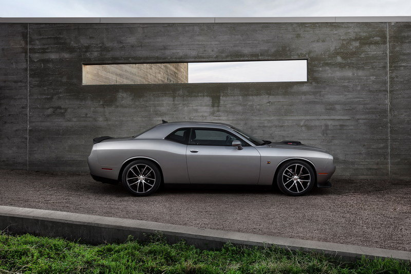 2015 Dodge Challenger 392 HEMI Scat Pack Shaker High Resolution Exterior - image 549761