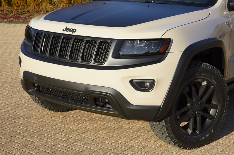 2014 Jeep Grand Cherokee EcoDiesel Trail Warrior Exterior - image 548529