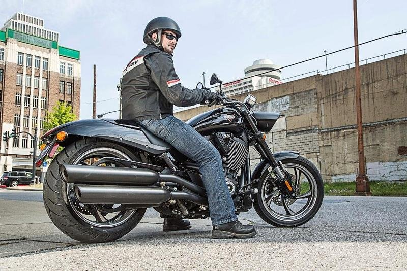 2014 Victory Hammer 8-Ball Exterior - image 548304