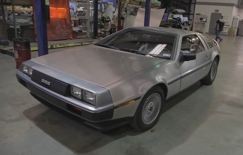 Video: Motor Trend Pays Tribute to the DeLorean DMC-12