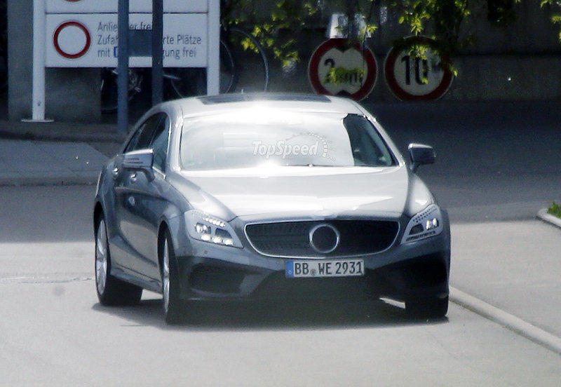 Spy Shots: Revised Mercedes CLS and M-Class Caught Testing Exterior Spyshots - image 551996