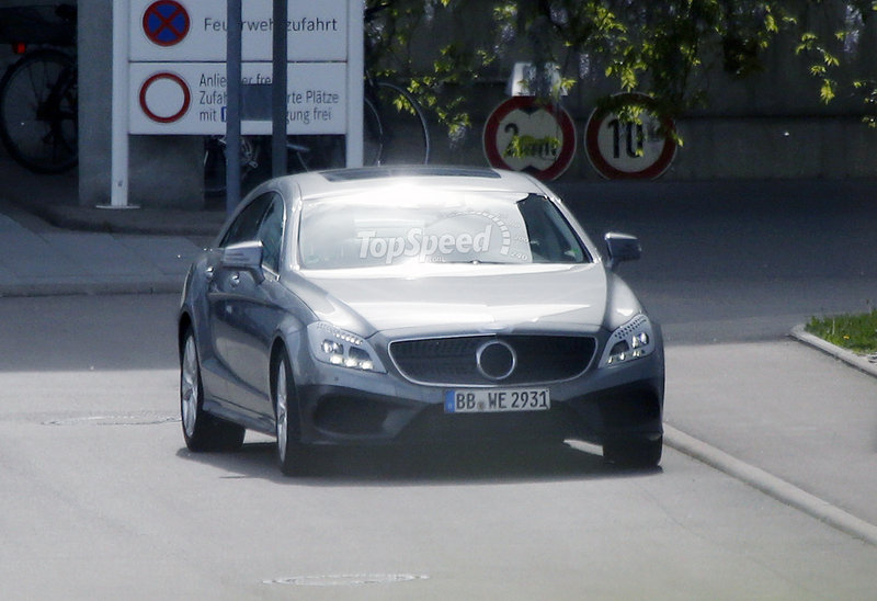 Spy Shots: Revised Mercedes CLS and M-Class Caught Testing Exterior Spyshots - image 551995