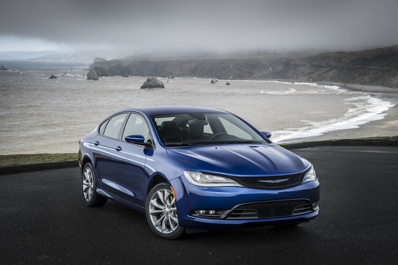 Chrysler Received More Than 10,000 Orders For The 2015 200 in One Day