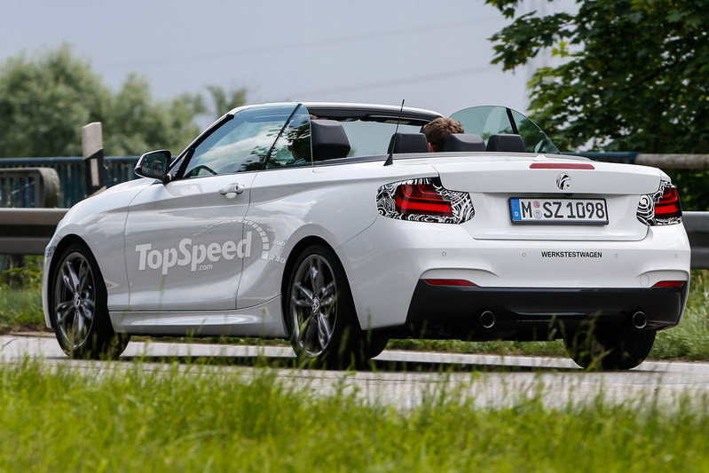 Spy Shots: 2015 BMW 2 Series Convertible Caught With its Top Down