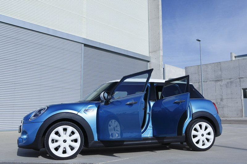 2014 Mini Cooper 5-Door High Resolution Exterior - image 554926