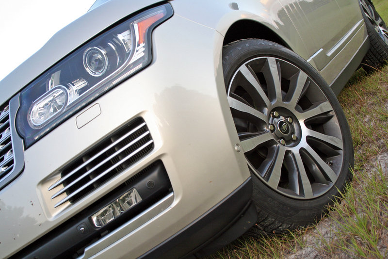 2014 Range Rover Autobiography - Driven High Resolution Exterior - image 555893