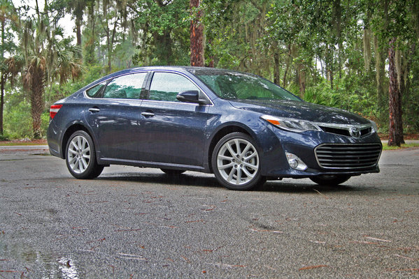 2014 toyota avalon driven review top speed. Black Bedroom Furniture Sets. Home Design Ideas