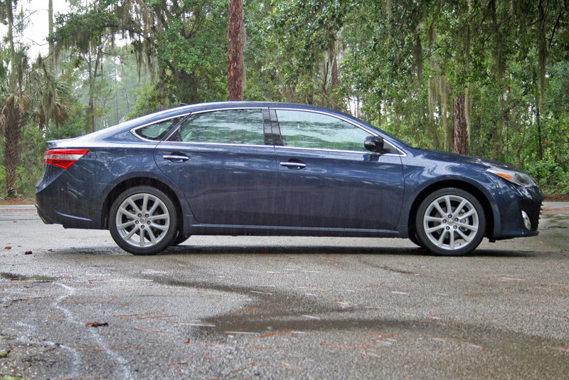 2014 Toyota Avalon - Driven High Resolution Exterior - image 554717