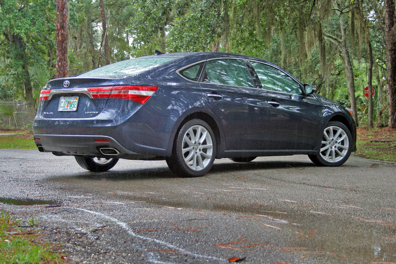 2014 Toyota Avalon - Driven High Resolution Exterior - image 554719
