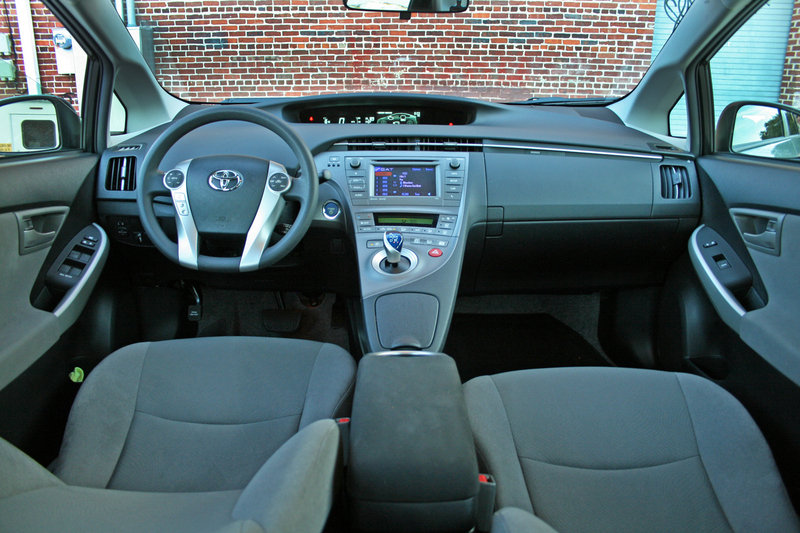 2014 Toyota Prius - Driven High Resolution Interior - image 557350