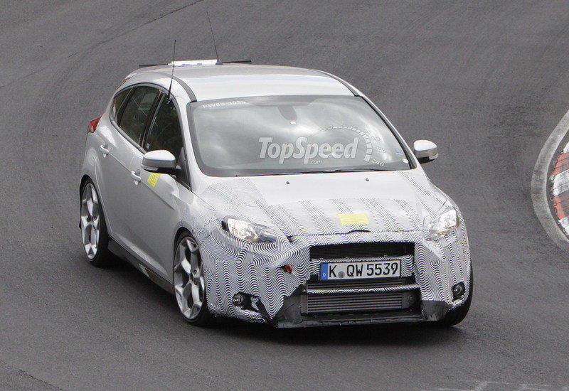 Spy Shots: 2015 Ford Focus RS Caught During its First Testing Session Exterior Spyshots - image 557723