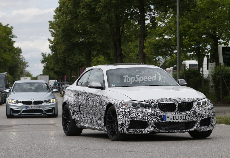 Spy Shots: 2016 BMW M2 Looks Great in White Exterior Spyshots - image 555012