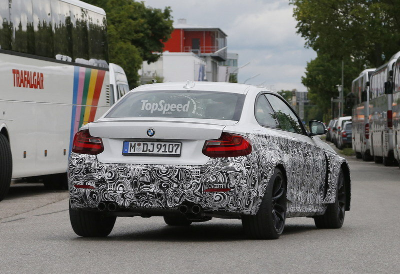 Spy Shots: 2016 BMW M2 Looks Great in White Exterior Spyshots - image 555018