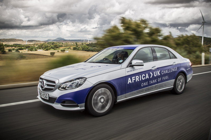 Mercedes-Benz E 300 BlueTEC Hybrid Drives 1,223 Miles on a Single Tank of Fuel High Resolution Exterior - image 557922