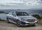 Mercedes-Benz E 300 BlueTEC Hybrid Drives 1,223 Miles on a Single Tank of Fuel - image 557924