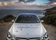 Mercedes-Benz E 300 BlueTEC Hybrid Drives 1,223 Miles on a Single Tank of Fuel - image 557925