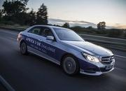 Mercedes-Benz E 300 BlueTEC Hybrid Drives 1,223 Miles on a Single Tank of Fuel - image 557907