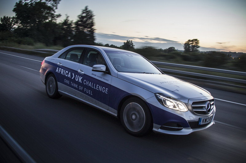 Mercedes-Benz E 300 BlueTEC Hybrid Drives 1,223 Miles on a Single Tank of Fuel High Resolution Exterior - image 557907