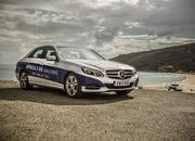 Mercedes-Benz E 300 BlueTEC Hybrid Drives 1,223 Miles on a Single Tank of Fuel - image 557902