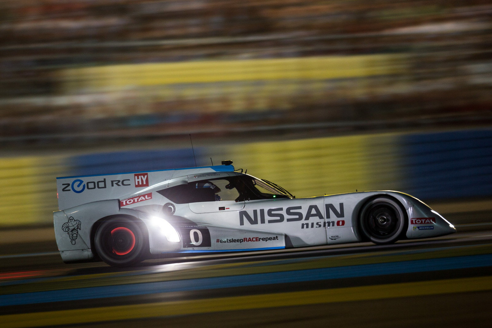 nissan zeod rc breaks electric speed record at le mans picture 556052 car news top speed. Black Bedroom Furniture Sets. Home Design Ideas