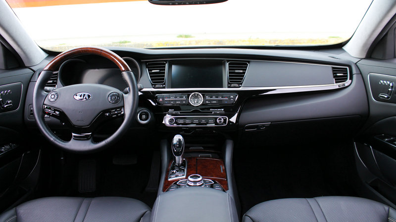 2015 Kia K900 - Driven High Resolution Interior - image 561228