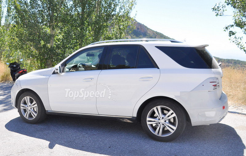 Spy Shots: Mercedes M-Class Caught Testing in Europe Exterior Spyshots - image 561605