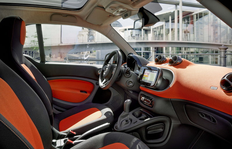 2015 Smart ForFour Interior - image 560252