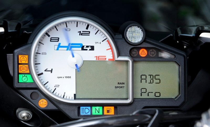 BMW presents it new Cornering ABS Pro available for the S1000RR HP4