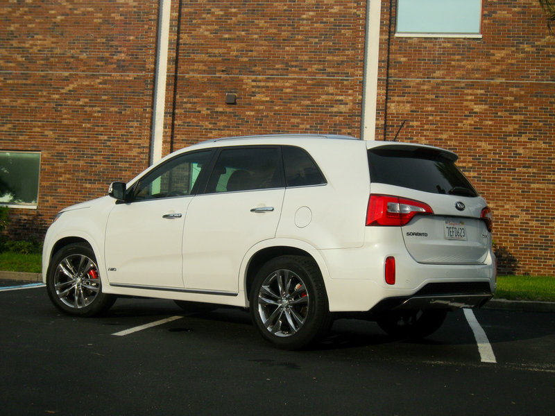 2015 Kia Sorento SXL - Driven High Resolution Exterior - image 558505