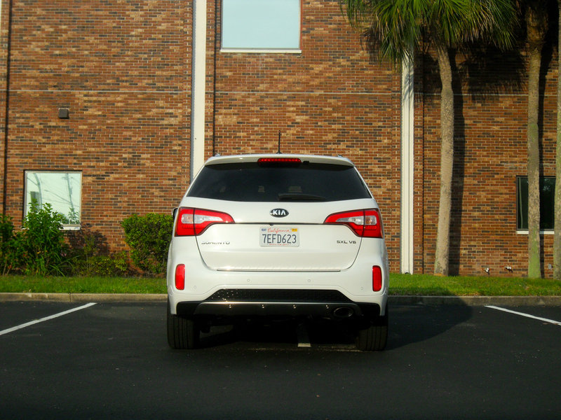 2015 Kia Sorento SXL - Driven High Resolution Exterior - image 558506
